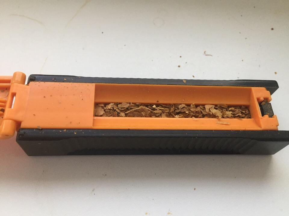 Набивка гильз табаком